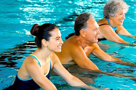 adult swimming lessons hougang